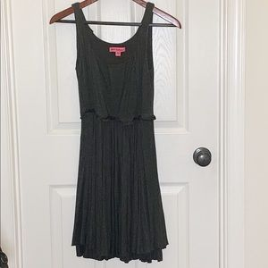 Betsy Johnson Gray Sleeveless Dress Size 2